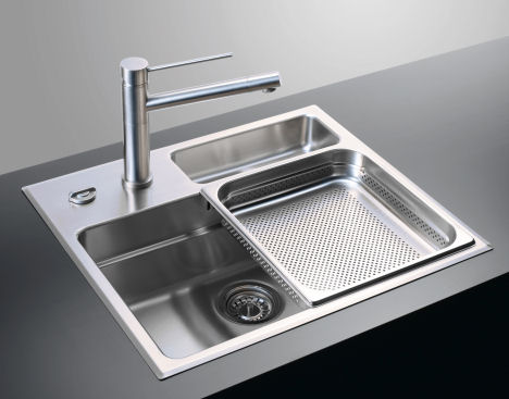 rieber-waterstation-cubic-600-sink.jpg